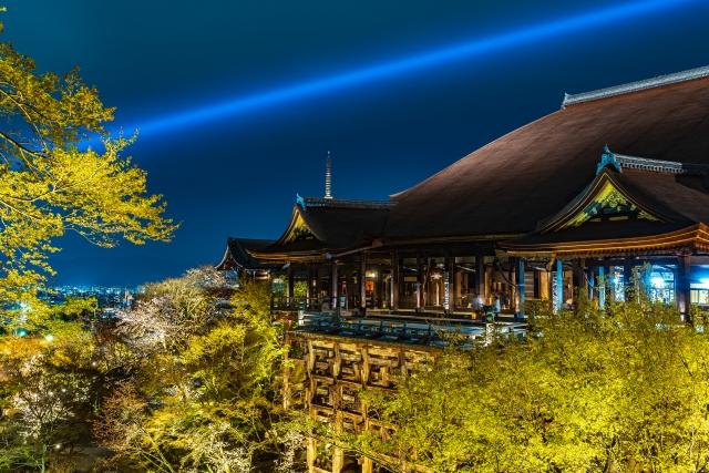 夜の清水寺舞台
