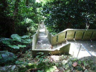 護佐丸の墓所