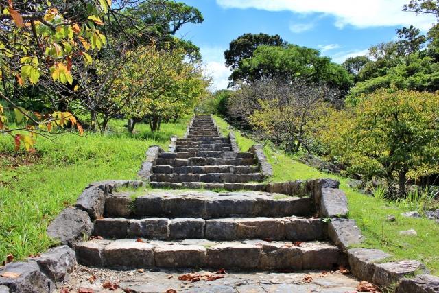 今帰仁城址の石畳と階段