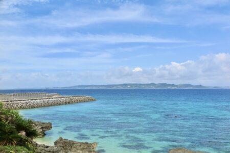 久高島から見た沖縄本土